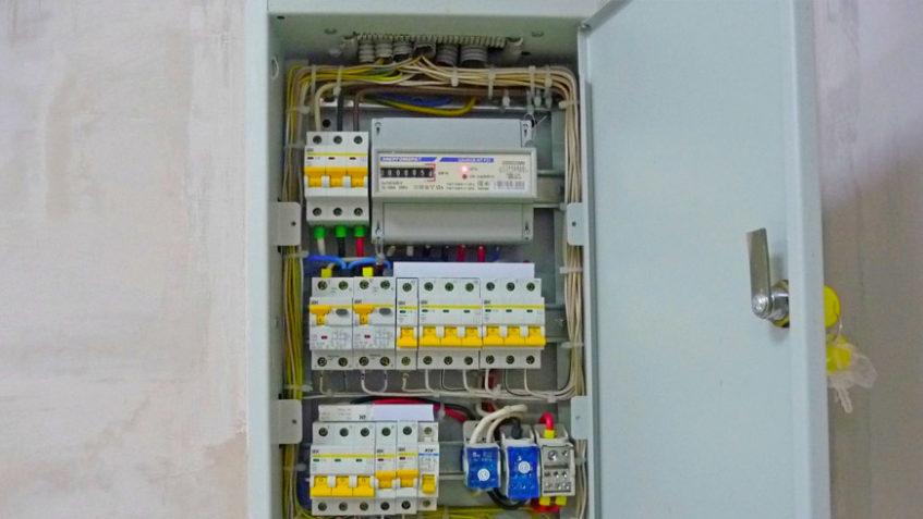 Работы по электрике под ключ